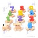 Dřevěný vláček barevný z číslic